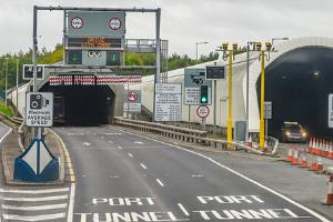 Port tunnel